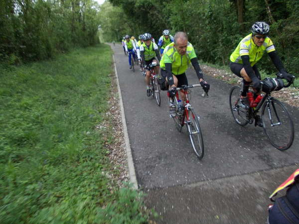 fichier 20120512_1723_001pc_route_brm400k_groupe_derriere-0.jpg