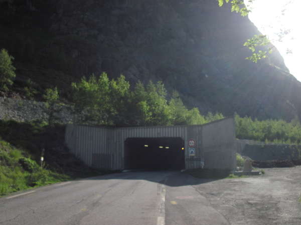 fichier 20140607_0828_001d1091_route_tunnel_du_grand_clot-0.jpg
