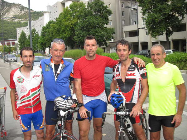 fichier 208_20140920_1647_001brm_200k_arrivee_grenoble_philippe_cotart_herve_labrosse_eric_francon_jacques_gaillard_alain_perriollat-0.jpg