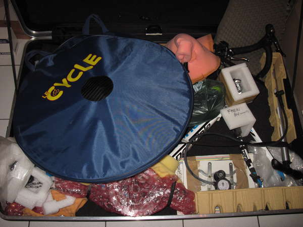 fichier 20150114_1918_brm_200k_willy_warmer_valise_avion_rangement_velo_complet_pompe-0.jpg