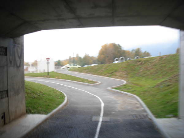 fichier 20111004_0806_002pc_route_barrage_de_saint_egreve_tunnel-0.jpg